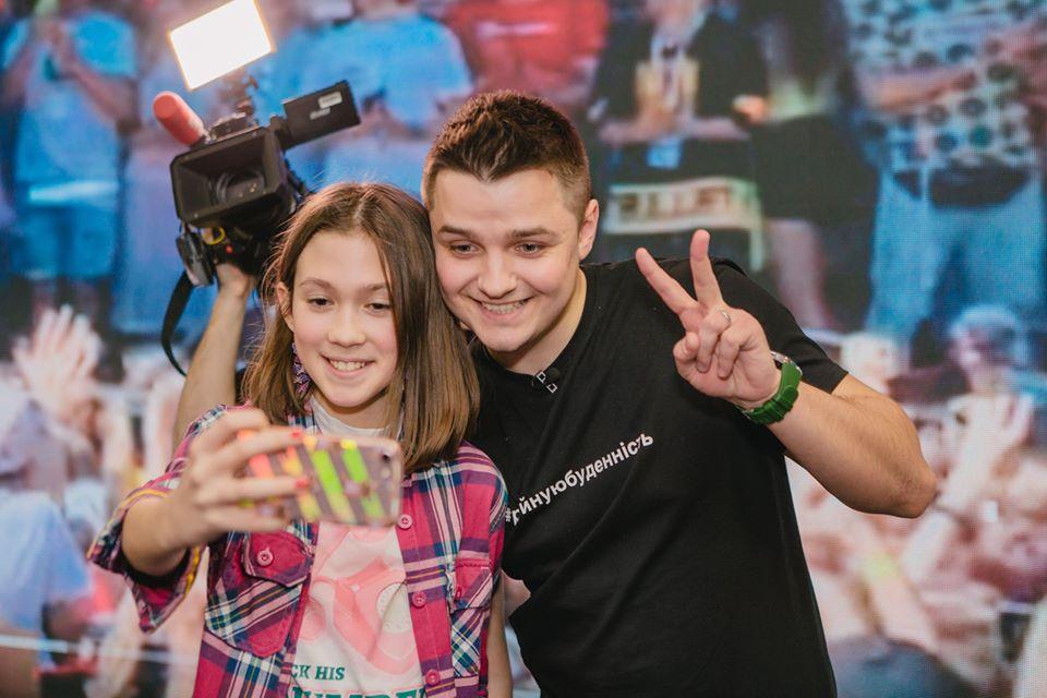 AIR и Женя Белозёров осуществили мечту будущих медиазвезд